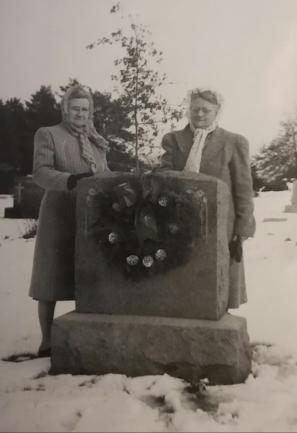 Otto Richard Weik Tombstone